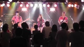心斎橋にあるライブハウス、somaでのライブの映像です!! まずは1曲目...