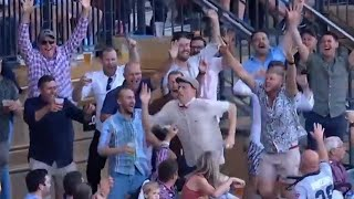 Ex-SA quick's hilarious crowd catch during bucks party