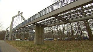 Realer Irrsinn: Brücke ohne Boden