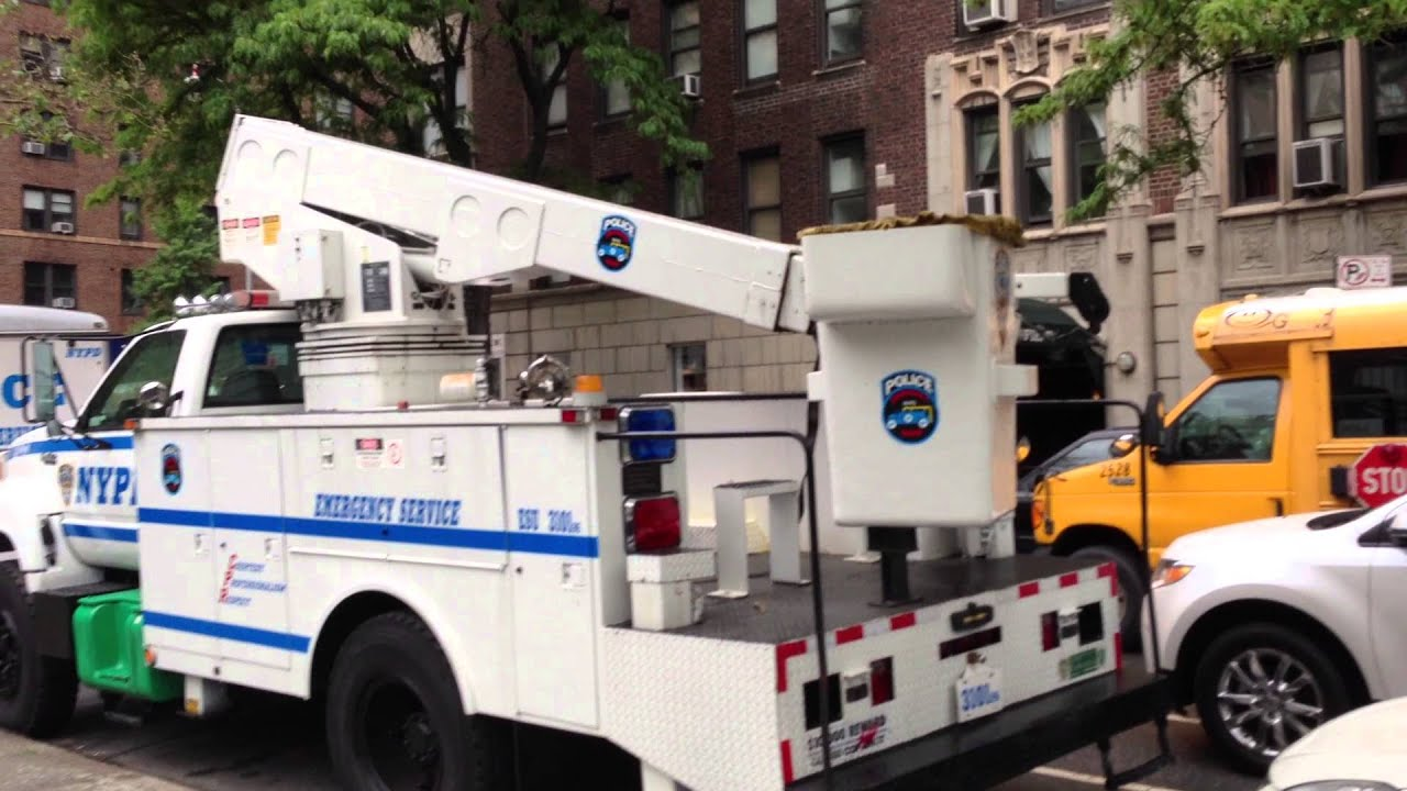 Rare Nypd Esu Boom Truck Emergency Service Unit With