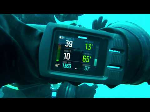 Suunto Dive Computer The EON Steel Underwater