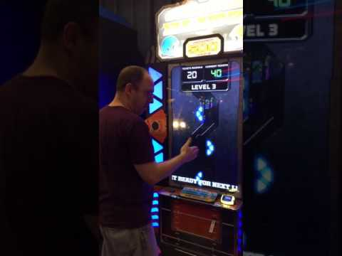 How to beat Dave & Buster's Games - Gridiron Blitz