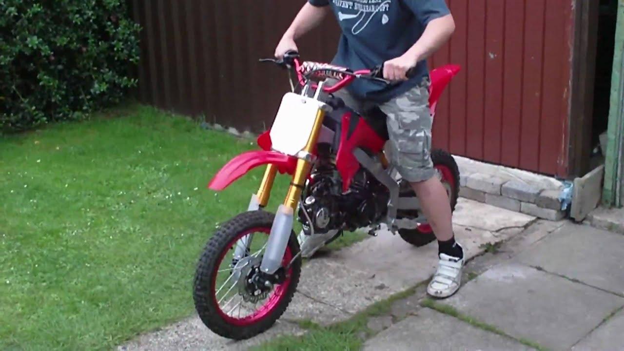My 125cc Pitbike Walk Around With Wheelies Youtube