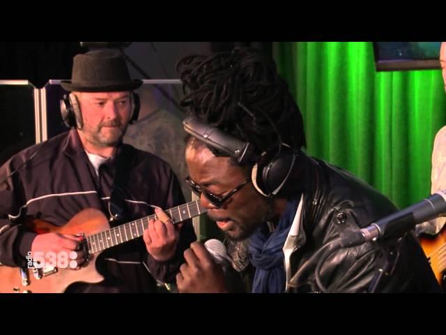 Kenny B - Paramaribo-o-o | Live bij Evers Staat Op
