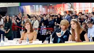 Aquamall Fashion Fest 14 с Сергеем Зверевым(29 марта 2014 года в торгово-развлекательном центре «Аквамолл» прошло одно из самых эпатажных событий весны..., 2014-05-05T09:06:01.000Z)