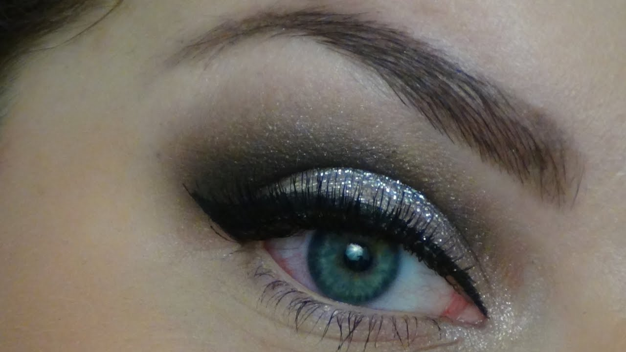 Maquillage style pin up et l vres rouges mattes youtube - Maquillage pin up ...