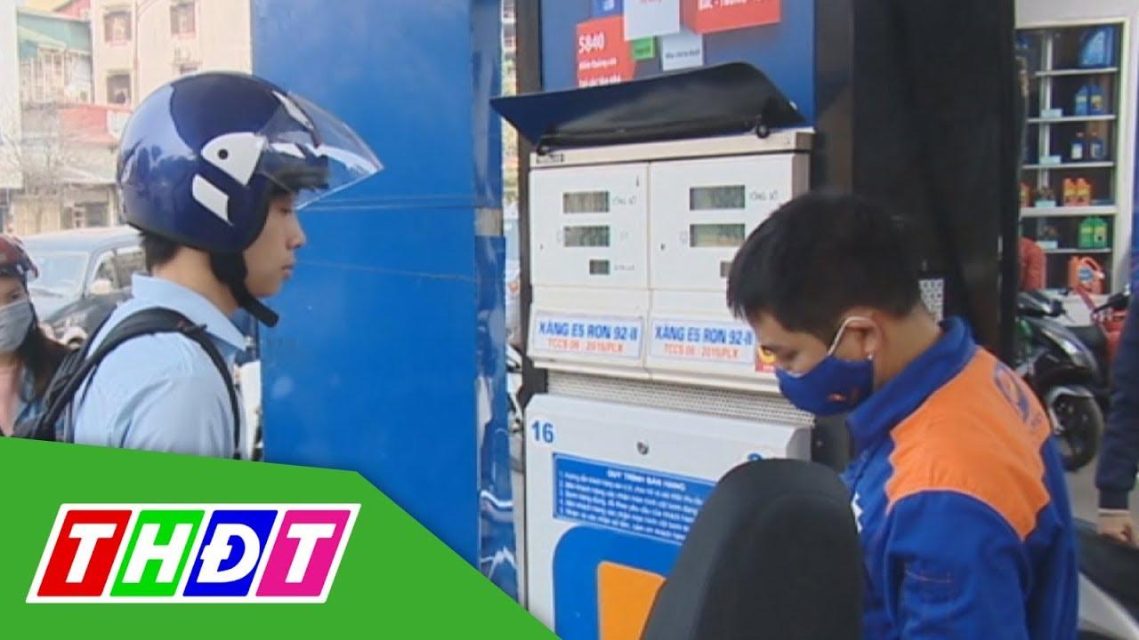 Giá xăng giảm hơn 1.000 đồng/lít từ 15h chiều nay | THDT