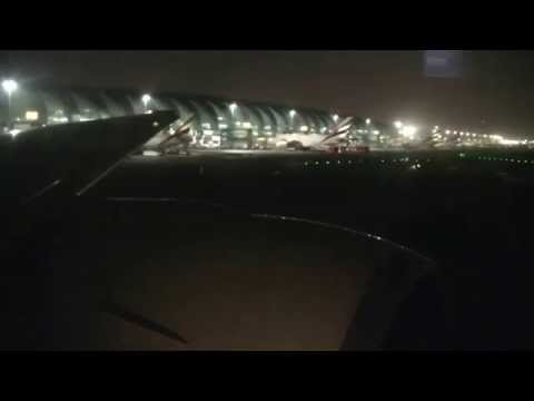 [HD] Emirates 777-300ER Midnight Departure from Dubai