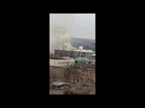 В Канске горит крыша пятиэтажки