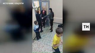 Исполком Челнов проводит проверку видео, на котором педагоги не пускают ученика в столовую