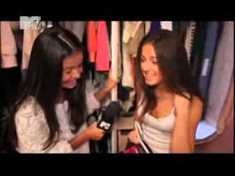 Нюша показывает свой гардероб. Тренди 8.5.2011