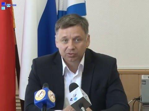 Пресс-конференция главы администрации города Россоши Юрия Мишанкова.