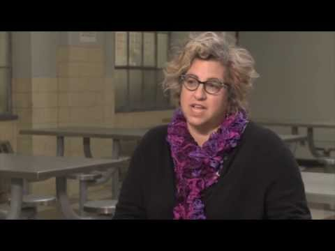 Jenji Kohan's Official 'Orange is the New Black' Interview - YouTube