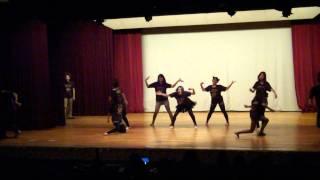甲南大学ストリートダンスサークルZEALOTの1回生公演のオープニングショ...