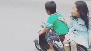 Video anak kecil naik motor vespa download MP3, 3GP, MP4, WEBM, AVI, FLV September 2018