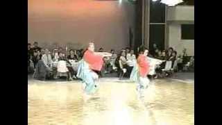 ダンス パーティ での 特別アトラクション映像です。