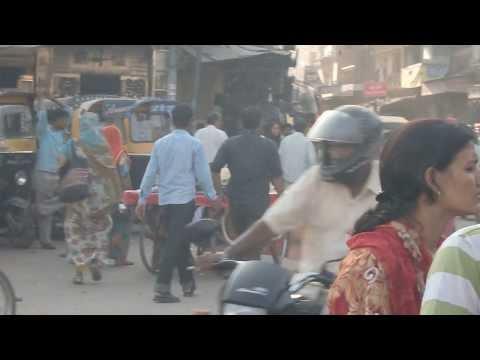 Real life on dirty streets of India - Jodhpur Rajasthan Indie Radżastan
