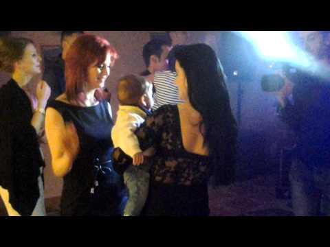 Muzica,distractie de tineret in sala,,Club Europa