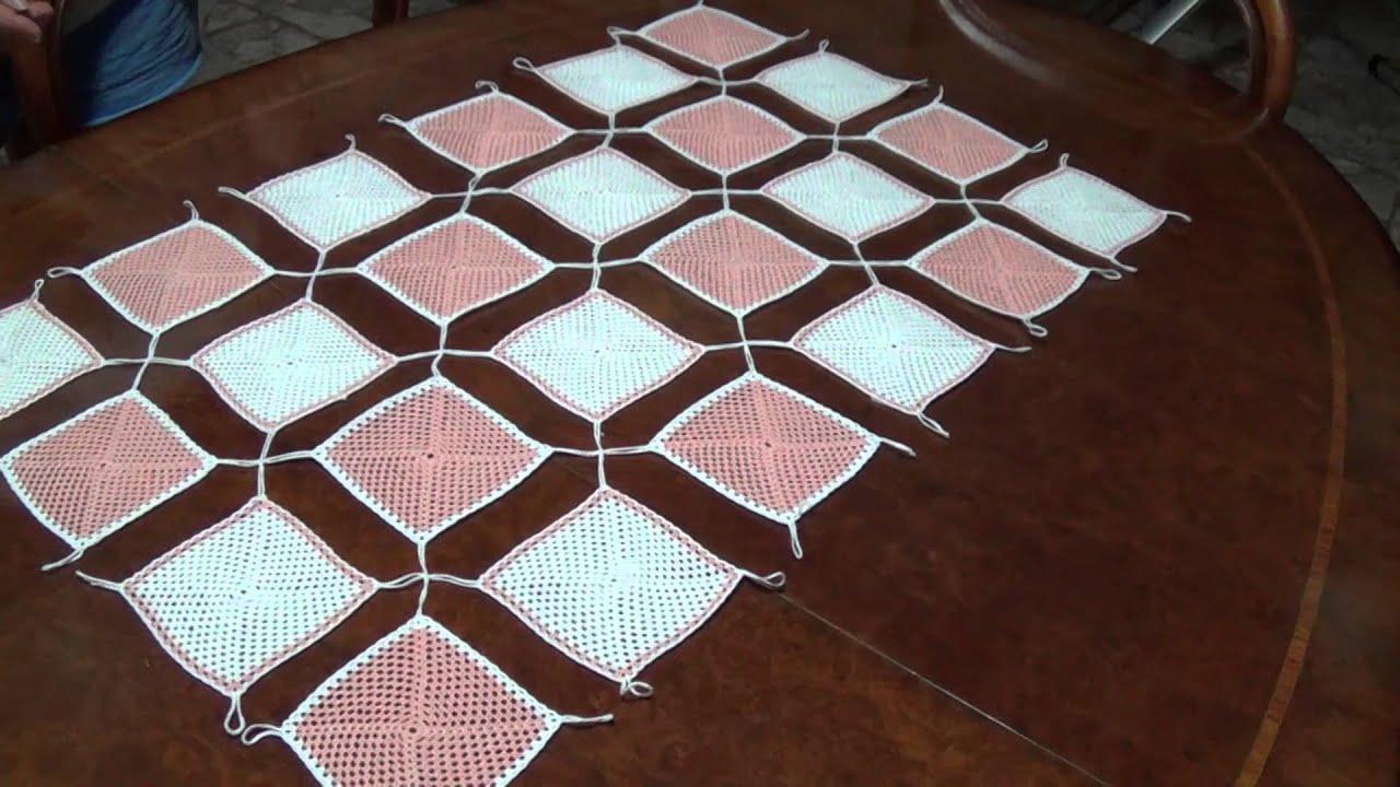 Centro tavola semplice ad uncinetto youtube - Centro tavolo all uncinetto ...