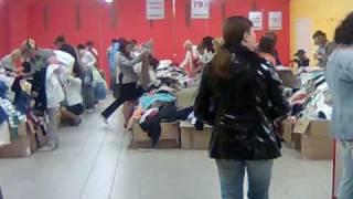 Скидки в магазине(Народ больной на скидки., 2009-08-02T09:55:24.000Z)