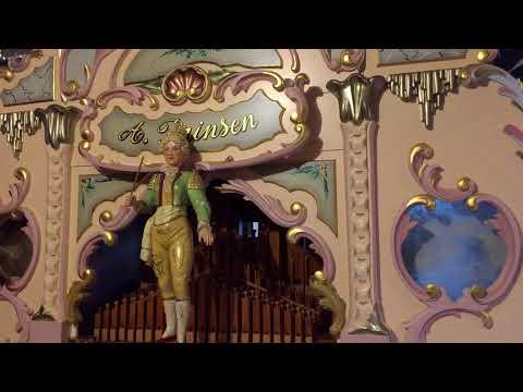 "49-key Arthur Prinsen street organ plays ""Shanghai"""