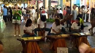Musik tradisional thailand memainkan lagu Canon