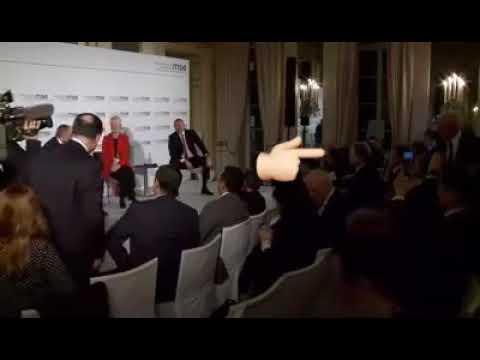 Порошенко вискочив на сцену після дискусії Алієва і Пашиняна та почав обнімалися