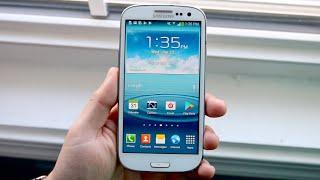 Samsung Galaxy S3 in 2020! (Still Worth It?) (Review)
