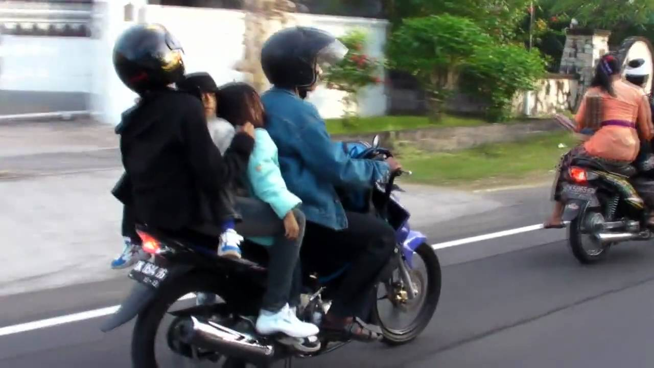 BALI Culture Part 1 Scooters Motorbikes And Motorcycles