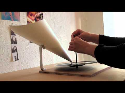 selbstgebautes Grammophon / Minimalist gramophone by Livia Ritthalerde YouTube · Durée :  2 minutes 44 secondes · 120.000+ vues · Ajouté le 19.11.2011 · Ajouté par Livia Ritthaler