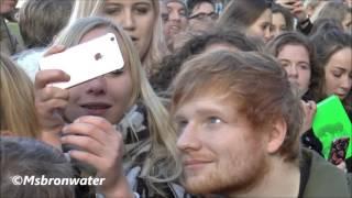 Ed Sheeran Met Zijn Fans @ Rembrandtplein Amsterdam The Netherlands