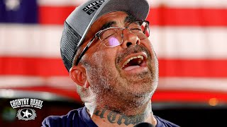 Aaron Lewis sings Patriotic Anthem 'Am I The Only One' (Live Acoustic)