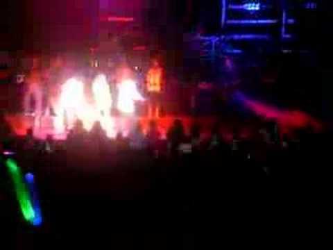 Hilary Duff - I wish [Live] mp3