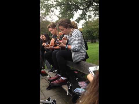 Luke Friend - Teenage Dream Mashup // Busking In London 14/10/14