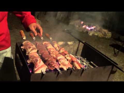 Как жарят шашлык на кавказе видео