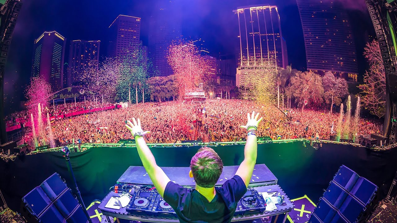 Page 1 | Hardwell live at Ultra Music Festival 2015 - FULL HD Broadcast by UMF.TV. Published by DjMaverix on Sunday, 29 March 2015 in Events and Festivals (Events)
