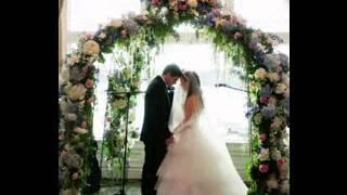 Simple Wedding Arch Decorating Ideas