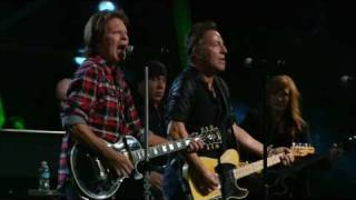 Bruce Springsteen w. John Fogerty - Fortunate Son - Madison Square Garden, NYC - 2009/10/29&30