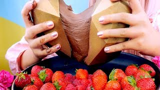 ASMR 3D GOLD CHOCOLATE HEART & STRAWBERRIES | MESSY | EATING SOUNDS 먹방