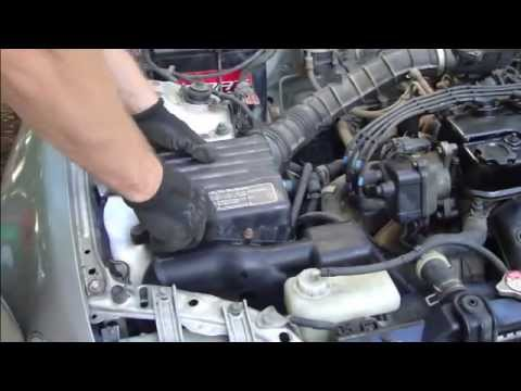How to replace air filter Honda Civic years 1992 to 1995 - YouTube