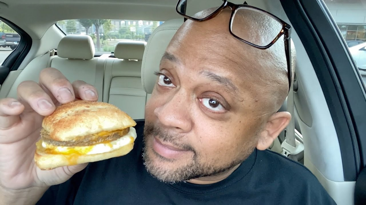 How Does Starbucks Impossible Breakfast Sandwich Compare To Dunkin Donuts Beyond Sandwich Youtube