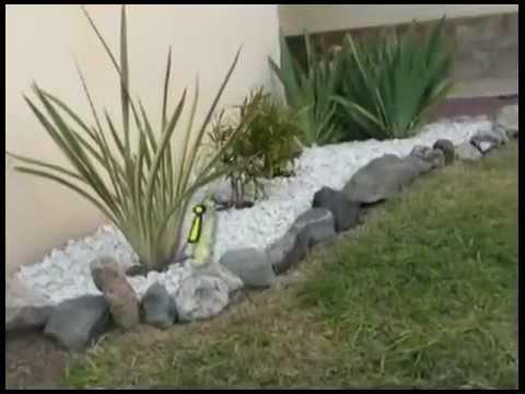 Como mejorar el jardin realiza un cantero con gravilla for Como hacer un jardin rustico