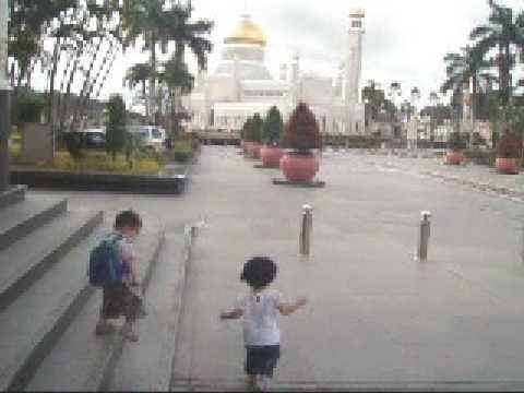 Brunei 5~Running to temple