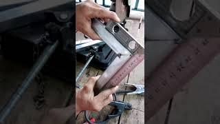 Cách cắt góc 45 độ vs chỉnh mấy cắt  nhanh nhất. Không phải thợ  cơ khí nào cũng biết