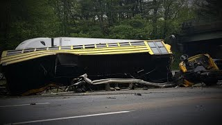 Video School bus driver made illegal turn before deadly crash, officials say download MP3, 3GP, MP4, WEBM, AVI, FLV Mei 2018