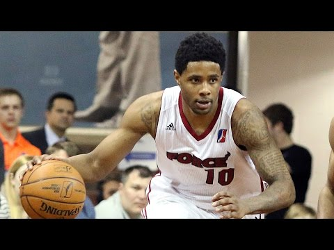 Larry Drew dishes out record 23 assists vs. the Vipers!