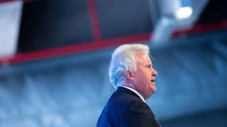 GE's Immelt Can't Escape Stench of Oil in Swan Song