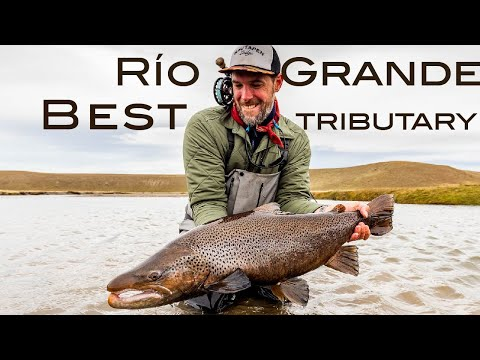 Fly Fishing the Rio Menendez -  Kau Tapen Lodge