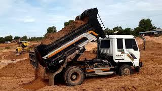 Dump Trucks Working, Hyundai Dump Trucks And  Bulldozer, รถดัมพ์, รถปราบดิน, 덤프 트럭, 불도저, ブルドーザー