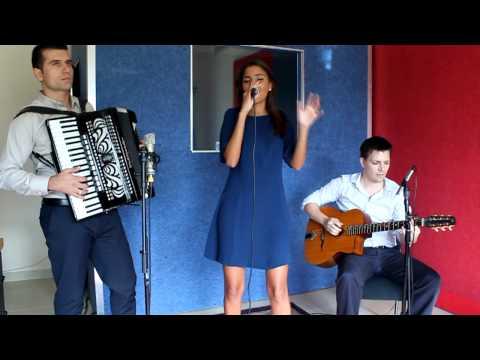 Wonderful Nostalgic French Jazz Trio with Female Singer and Accordion - Dubai Entertainers